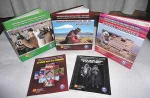 Ejemplares-dialecto-universidad-indigena-Paz_LRZIMA20121013_0013_11